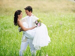 Pernikahan merupakan momen paling membahagiakan bagi pasangan yang
